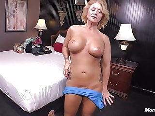 anal Country MILF loves young cock in her ass mature